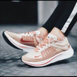NWT Women's Nike Zoom Fly SP